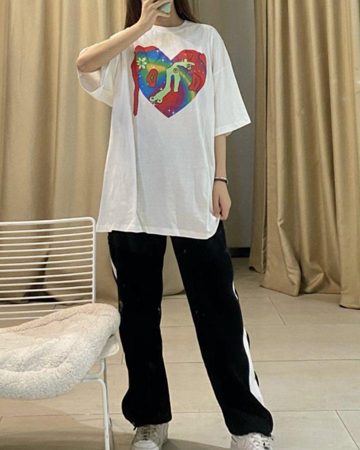 【2色】ペインティングハートTシャツの画像5