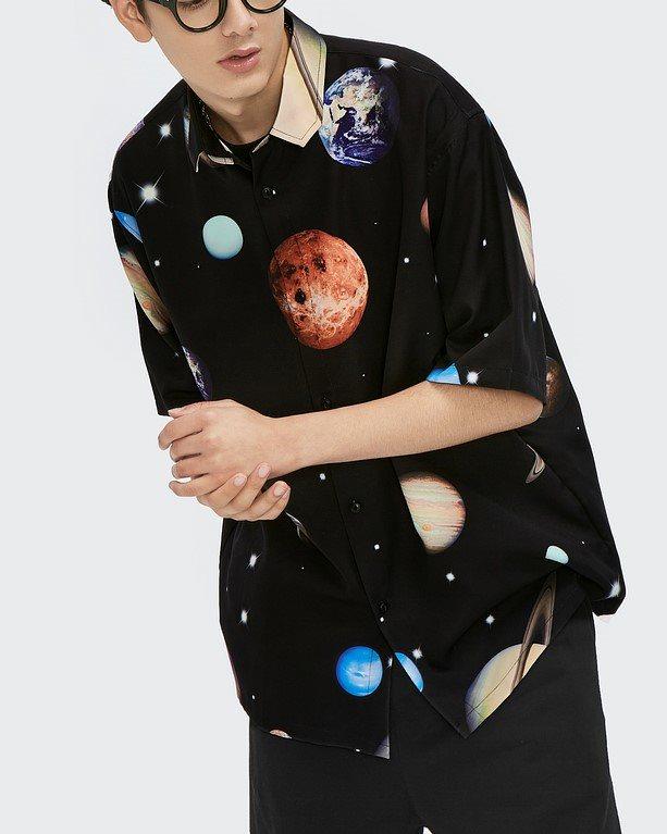 プラネット柄半袖シャツの画像1