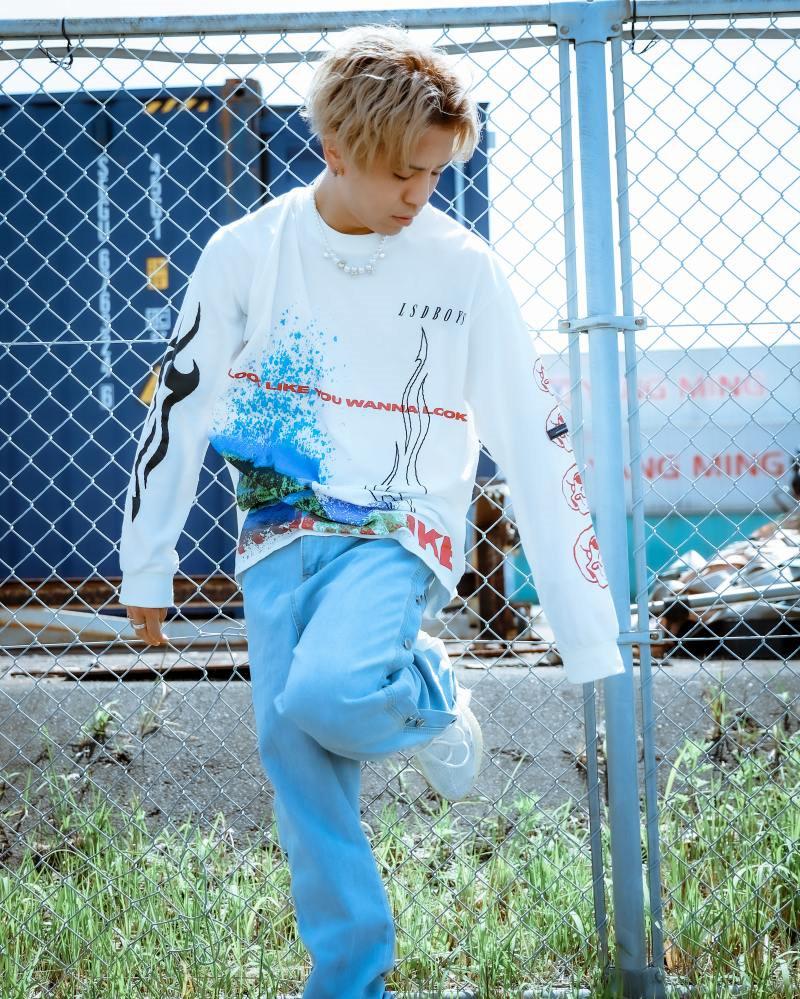 《2色》オーバーサイズトライバルロングTシャツの画像1