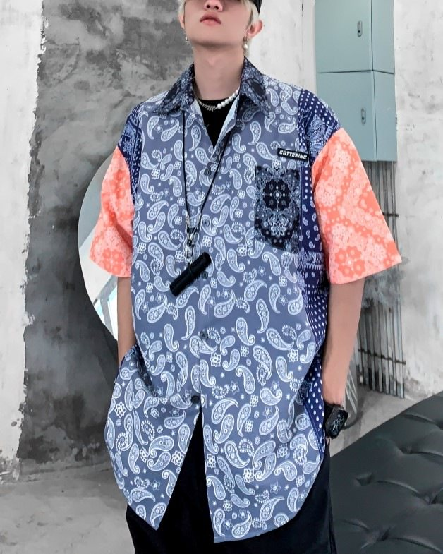 《2色》スリーパターンペイズリー半袖シャツの画像1