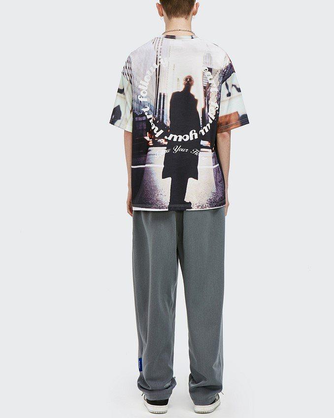 オーバーサイズグラフィックTシャツの画像2