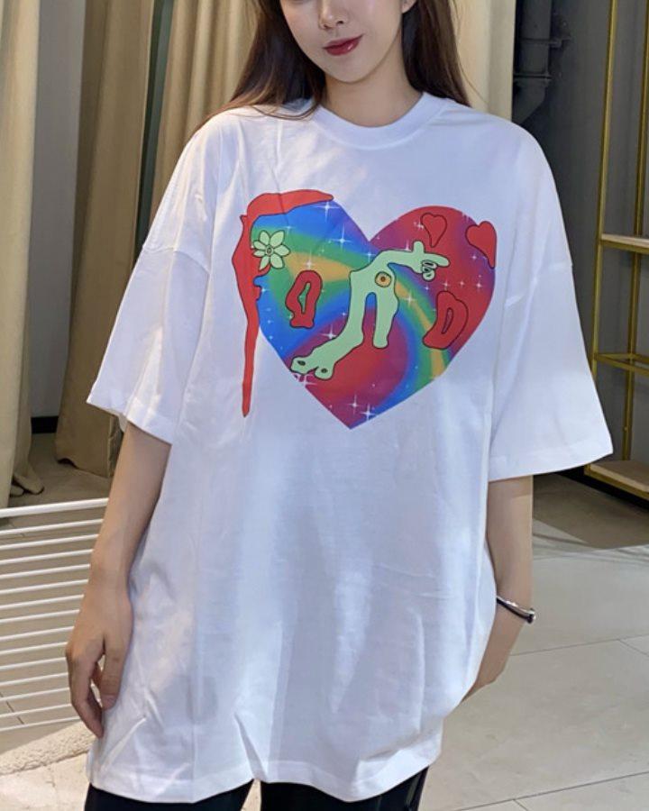 【2色】ペインティングハートTシャツの画像1