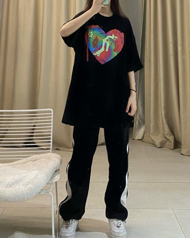 【2色】ペインティングハートTシャツの画像6