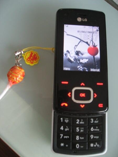 Mon telephone et sa nano Chups